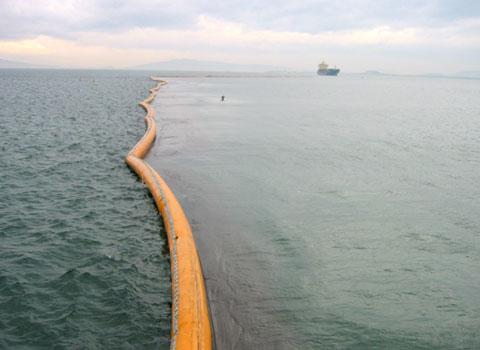 環境保護に貢献し、明日につなぐ。汚濁防止膜など海洋保護製品で海洋汚染を防止